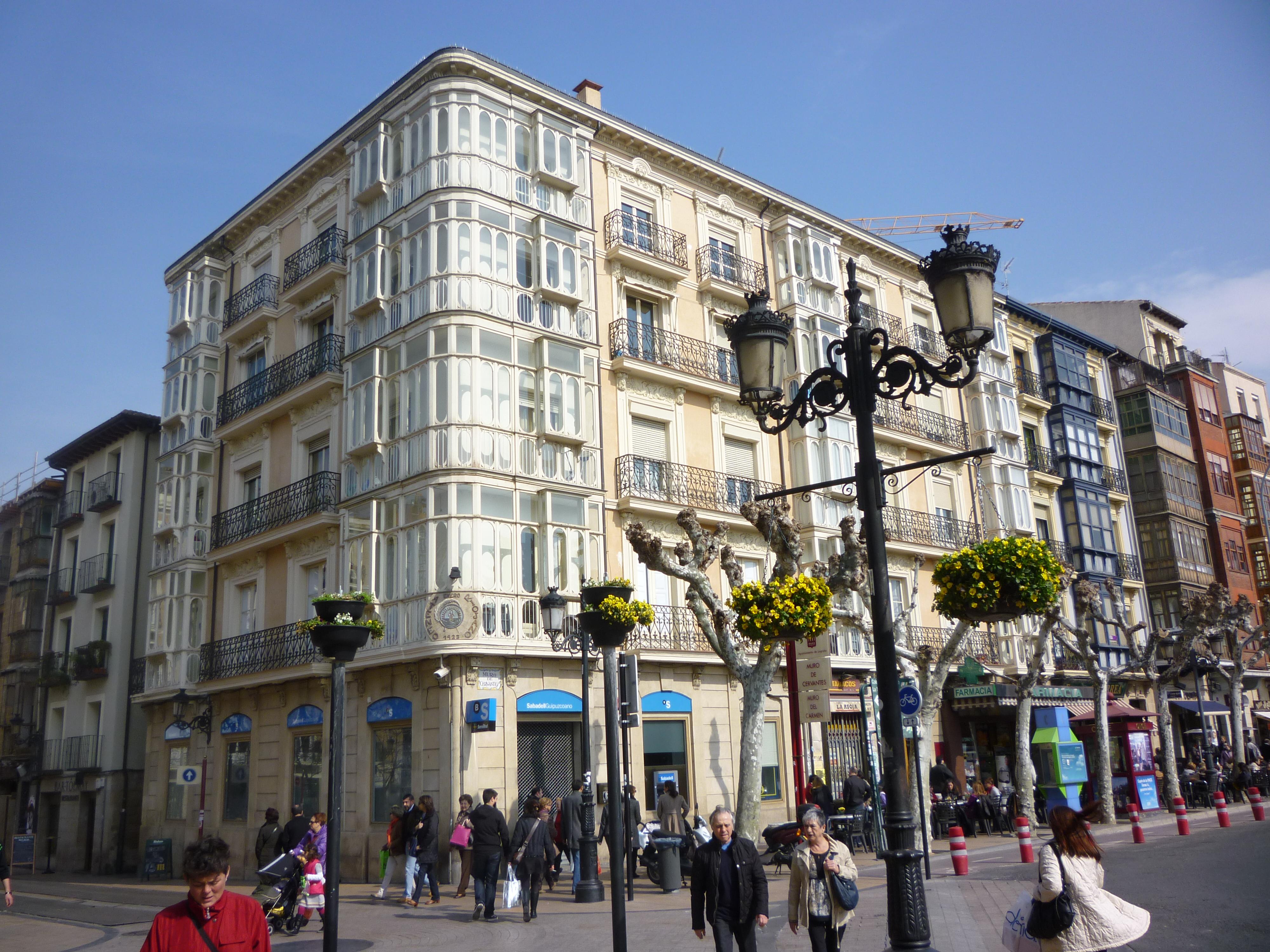 Logroño, Sábado 3 de marzo de 2012, fachada del Ateneo riojano