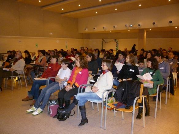 Logroño, 23 de febrero de 2013. Empezamos puntualmente: diez de la mañana. Nos juntamos 89 personas en este Primer Encuentro de Clubes de Lectura y Tertulias Dialógicas de La Rioja