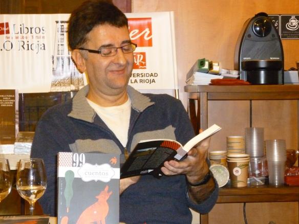 Javier Asensio presentando su libro