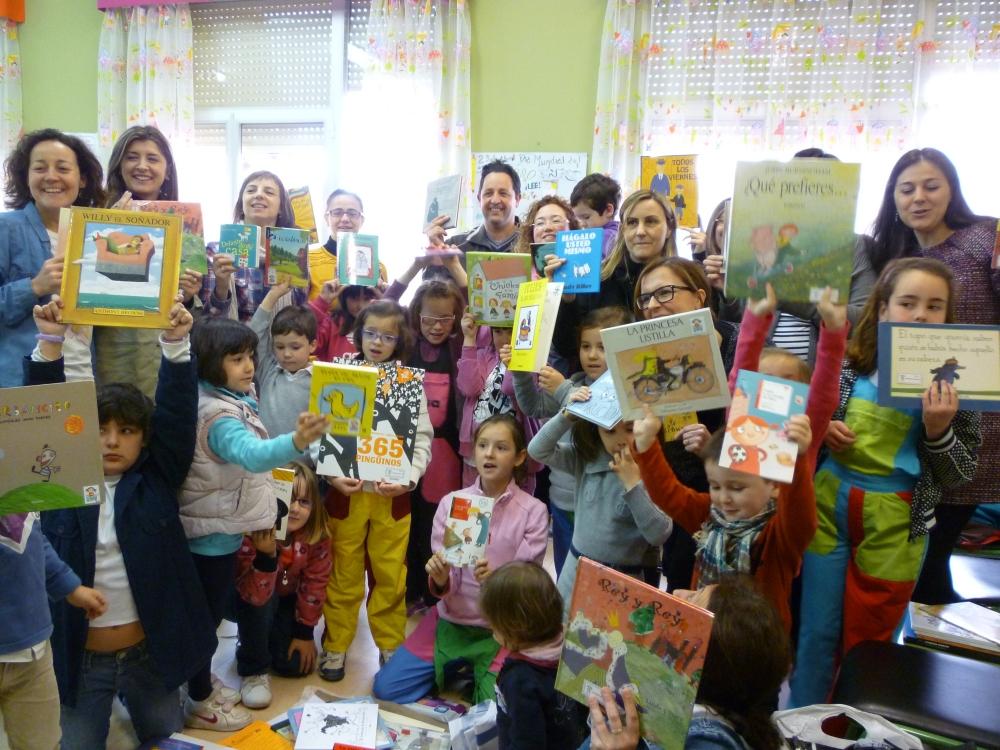 Familias del C.E.I.P. San Fernando de Nájera. Sábado 27 de abril de 2013 ¡Estos son nuestros cuentos preferidos!
