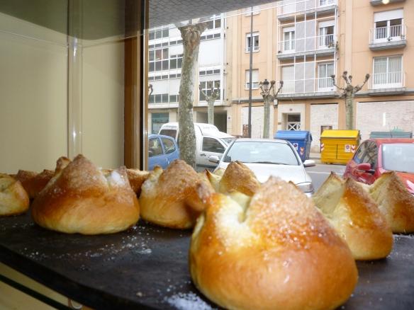 Mantecosas recién salidas del horno de la panadería Viena en Avenida de Navarra (Logroño. La Rioja)