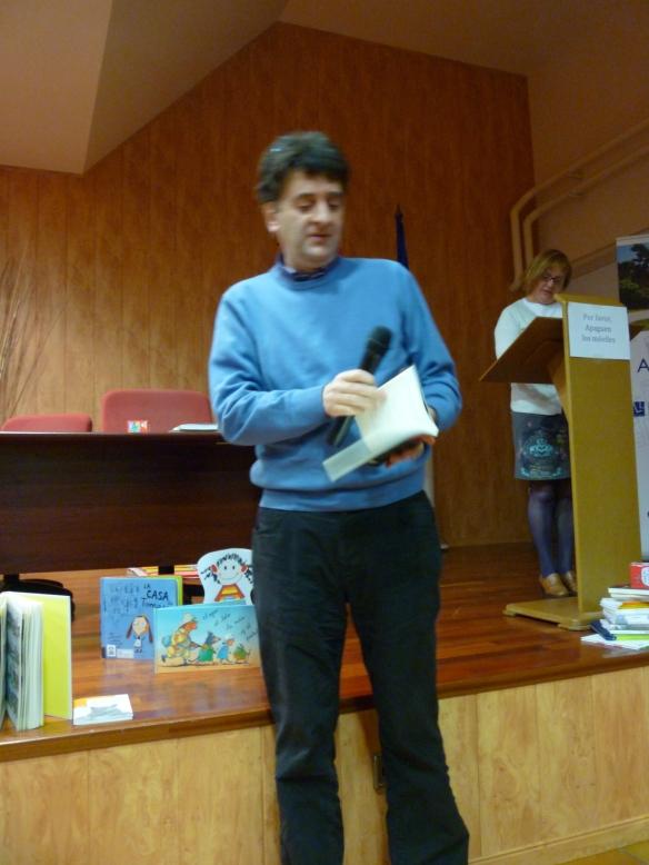 """Javier Asensio, autor de """"Los 99 mejores cuentos de la tradición riojana"""" nos contó uno de ellos: El matrimonio que nunca discutía ¡Cómo nos reímos! ¡Gracias Javier!"""