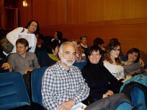 Angel Matute (el tipo atractivo de barba blanca) con Ramos Corral, Mireia Otín y Laura Tirabassi. Salón de Actos de Ibercaja en la calle Portales de Logroño.