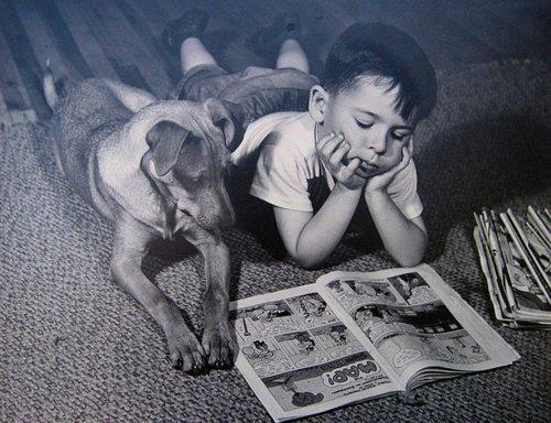 Imagen sacada del blog: http://educacionanimal.wordpress.com/2013/11/18/lectura-con-perros-en-la-biblioteca-nacional/