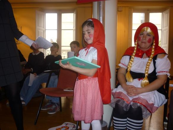 Caperu (Laura Ochagavía, 6 años) presentó Olivia y las princesas y soltó: Yo quiero ser reina para hacer lo que quiera.
