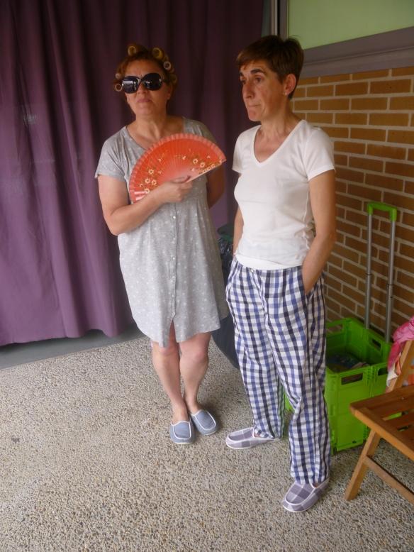 Carmen Sáez y Mari Cruz Zurbano un momento antes de subir al escenario del Maratón. 21-06-2014