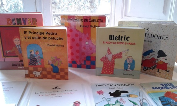 Conseguimos reunir muchos de los álbumes publicados en castellano de David Mckee.