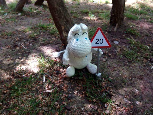 Papá Mumin posando en el parque del Carmen de Logroño con su 20.