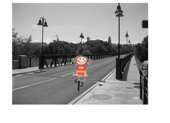 Tomasa cruzando el Puente de Hierro de Logroño. 17-05-2015