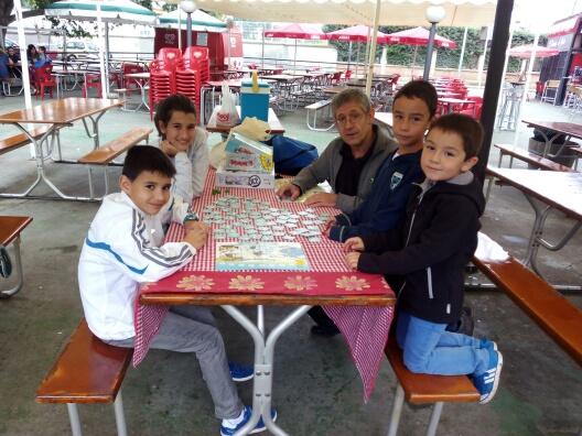 Grupo de jugones con Pepe Pellejero, coordinador de Todo el mundo juega.