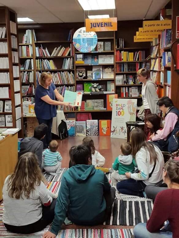 5Presentación de 20 cuentos de 2016 en la librería Cerezo. Logroño, 29-04-2016