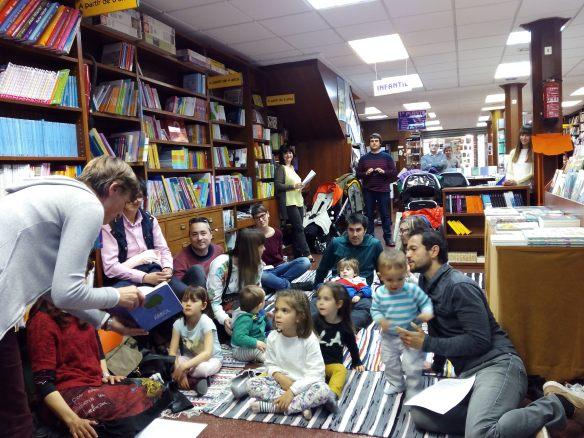 Presentación de 20 cuentos de 2016 en la librería Cerezo. Logroño, 29-04-2016