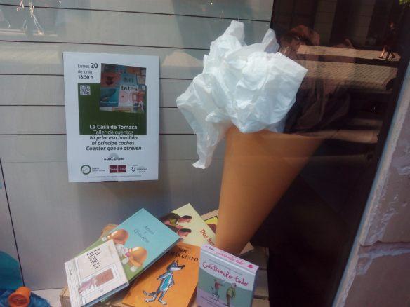 Escaparate de la librería Santos Ochoa en Logroño.