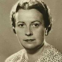 La escritora Elena Fortún